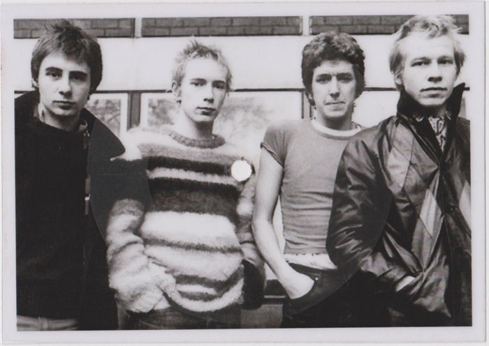 Смотреть онлайн клип Sex Pistols Submission.